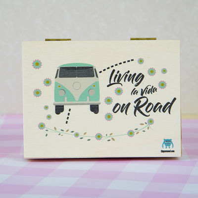 CAJA-LIVING-LA-VIDA-ON-ROAD-MADERA-UVEPERSONAL